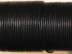 Svart indiskt läder, 1 mm. Per meter.