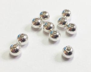 Rund pärla i sterling silver, 4 mm. 10 st.