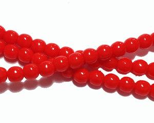 Opaka ljusröda runda glaspärlor, 4 mm. En sträng