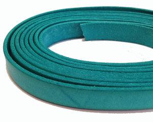 Grönturkost brett läder, 10 mm brett. Per 20 cm.