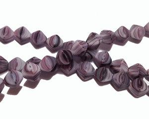 Opaka pressade bikoner i matta melerade lila glaspärlor, 6 mm. En sträng