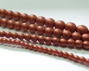 Rund druk tjeckisk pärla, Alabaster Metallic Matt Copper, 29410. 6 mm. En längre sträng, 16 cm.