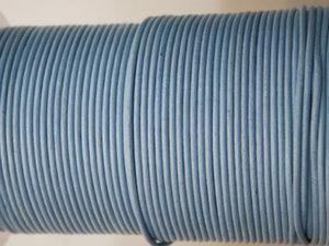 Ljusblått indiskt läder, 2 mm. Per meter.