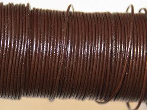 Brunt indiskt läder, 1 mm. Per meter.
