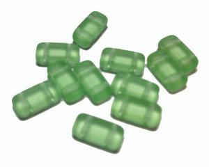 Tjeckisk 2-hålig tilepärla (brick) i matt äppelgrön, 4*8 mm. 20-pack.