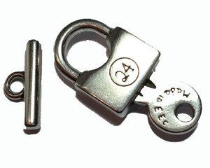 Togglelås i grekisk kvalitetsmetall pläterat med 999 silver. Ett set.