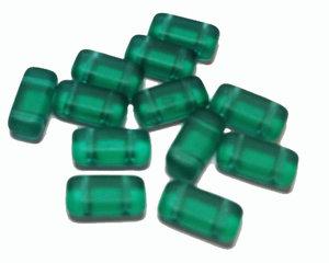 Tjeckisk 2-hålig tilepärla (brick) i matt emeraldgrön, 4*8 mm. 20-pack.