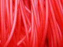 Röd ihålig gummislang, lätt transparent. Slangen är 3 mm tjock och hålet är 1,7 mm.