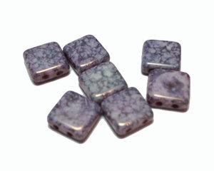 Tjeckisk syrenlila 2-hålig tilepärla med mosaikeffekt, 8*8 mm. 10-pack.