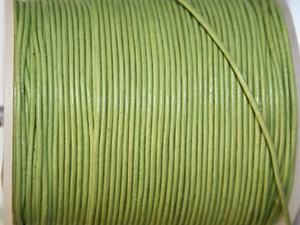 Indiskt limefärgat läder, 1 mm. Per meter.