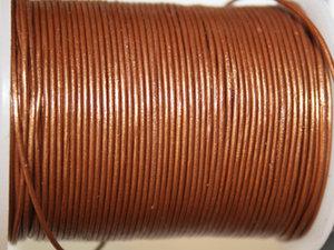 Indiskt kopparfärgat metallic läder, 1 mm. Per meter.