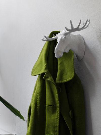 Hook Moose white