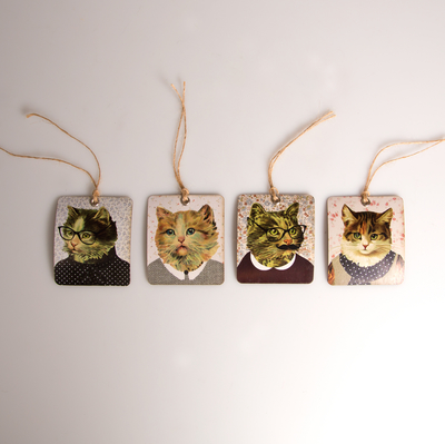 Gift tags, Cats with retro dresses, set of 8