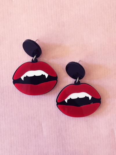 "Earrings Plastic Fantastic ""Vampire mouth"""