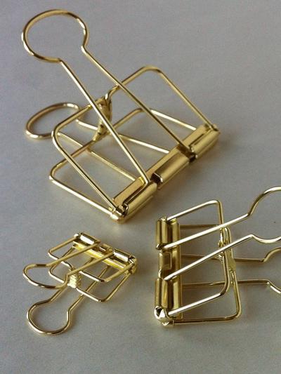 Wire Clip Gold Medium 32mm