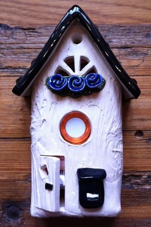 Ringklocka-Brevlåda och blå blommor