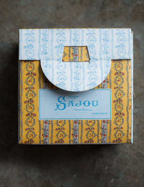 Cross stitch kit from Sajou with lovely flower pattern