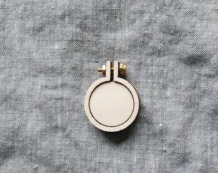 Sybåge i miniformat 2,5cm från Dandelyne