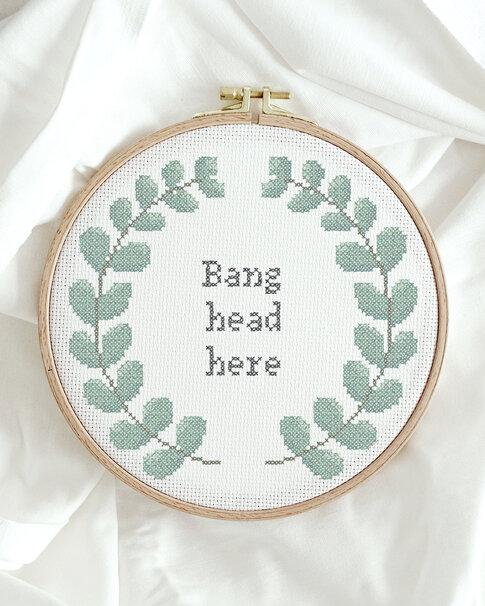Cross stitch kit with aida - Bang head here