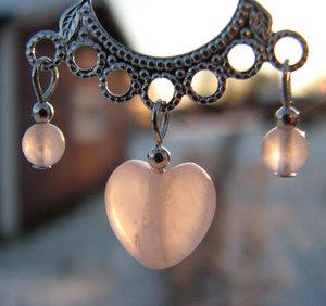 Rosenkvartshänge med hjärta