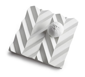 "Betongfat ""Origami"" vit"
