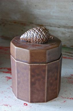 Keramikburk med kotte