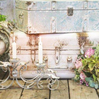 Koffert resväska antik vit shabby chic lantlig stil