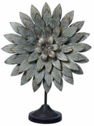Stor blomdekoration zink på fot shabby chic lantlig stil