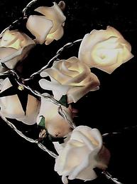 Ljusslinga vita rosor med batteri 2:a sortering shabby chic