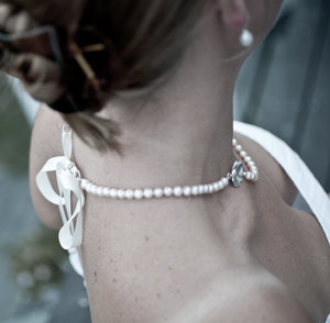 Halsband Kurbitsblomma med pärlor