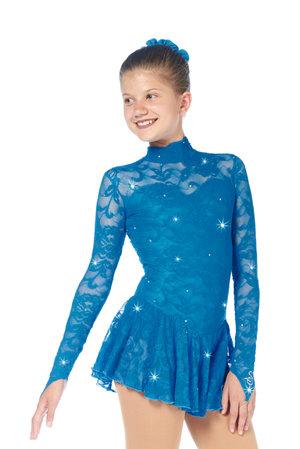 Långärmad klänning i turkos med spets från Sagester