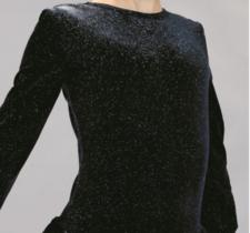 Svart klänning i glittersammet