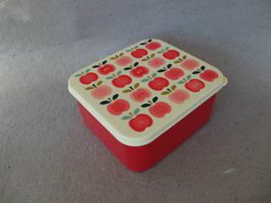 Plastlåda/Äpple  TILLFÄLLIGT SLUT