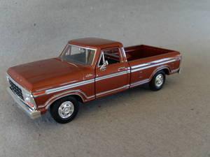 Ford -79 Rödbrun