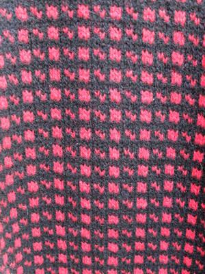Tröja/Röd/Svart mönster