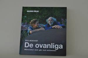 DE OVANLIGA/DEL 1