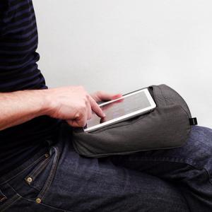 Resekudde Tablet & Travel Pillow 2-in-1