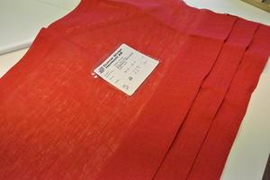 Röd fuskhiss kappa