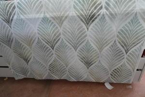 ljus bottenmed mönster i turkos tner