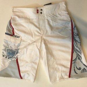 Badshorts Adidas Emblem, vit