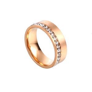 Vacker stål ring i guld med stenar Storlek 56