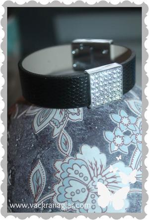 a420 Armband med bling