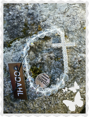 a546 Armband Vitt bling med kors