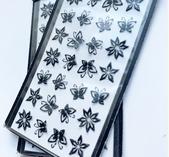Svarta fjärilar & blommor