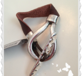 a77 Armband i skinn