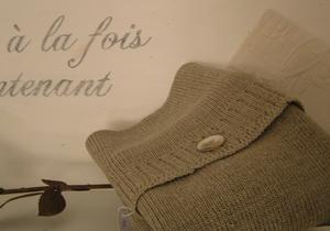 Jugendskåp/bokhylla med fransk text