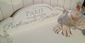 Skänk sideboard toalettbord Parfumerie Gaultier