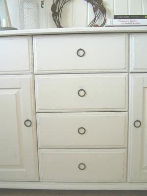 Skänk skåp med dörrar och lådor
