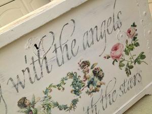 Kista shabby chic med rosor, änglar, engelsk text