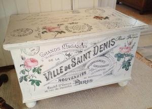 Kista soffbord fransk text o rosor